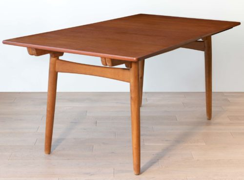 Hans Wegner table AT310 pour Andreas Tuck
