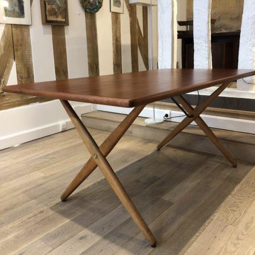 Hans Wegner pour Andreas Tuck table AT303 création 1955 teck et chêne